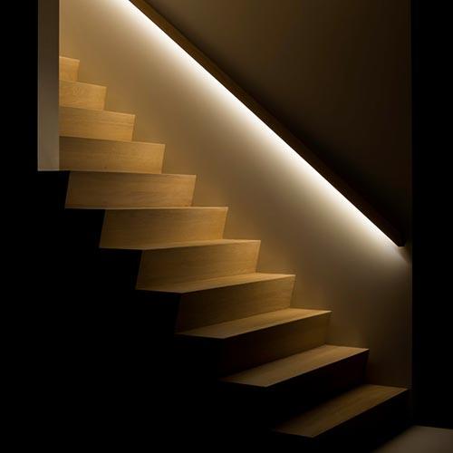 Segnapasso luce per scala interna con illuminazione led